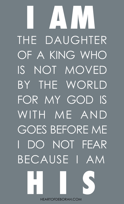 I am a Daughter of a King Quote. Reminding yourself who you are in Christ while playing the mommy comparison game.
