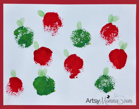 Painting-with-a-Loofah-Stamped-APple-Craft-for-Kids