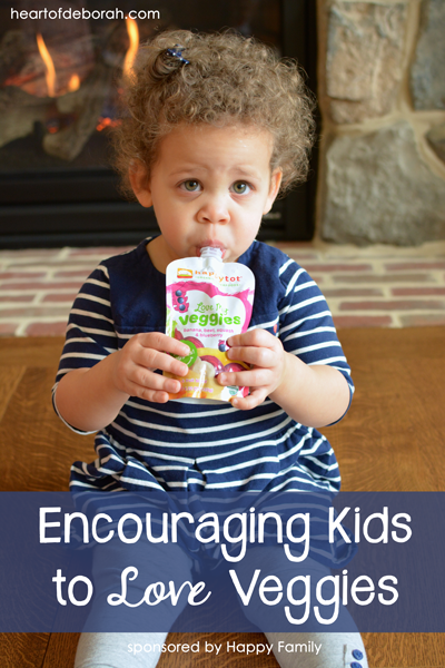 3 tips for encouraging kids to eat veggies! One of our favorite ways to encourage veggie consumption is through veggie/fruit combinations in pouches.