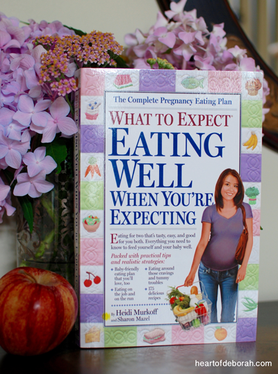 Differences & similarities between my first and second pregnancy. Also why I love the What to Expect When You're Expecting book for pregnant women!