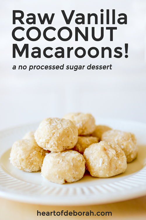 Looking for a healthy vegan dessert? Try this raw vanilla coconut macaroons recipe! #vegan #dessert #healthydessert #rawmacaroon