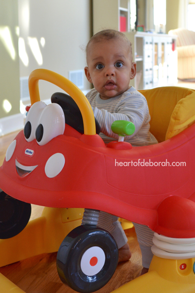 Looking for an engaging baby toy? Check out this Little Tikes Cozy Coupe Mobile Entertainer Review
