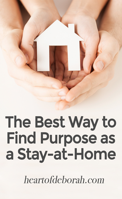 Being a stay-at-home mom isn't easy! Are you feeling unfulfilled as a stay at home mom? Find purpose and motivation as a SAHM by writing a homemaker's mission statement.