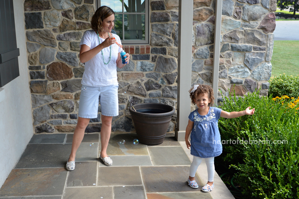 Here are 20 mother daughter date ideas to connect with your daughter! Indoor and outdoor activities are included in this family fun list.