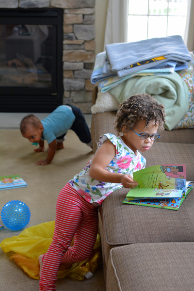 A day in the life post of a mom with two young children. See how busy and crazy their schedule is with a preschooler and toddler.