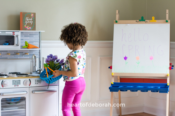 Looking for a spring themed dramatic play center? Create your own flower shop and garden. Kids will love buying and water their floral bouquets. Download the free printables included for an open/closed sign and a flower sign shop.