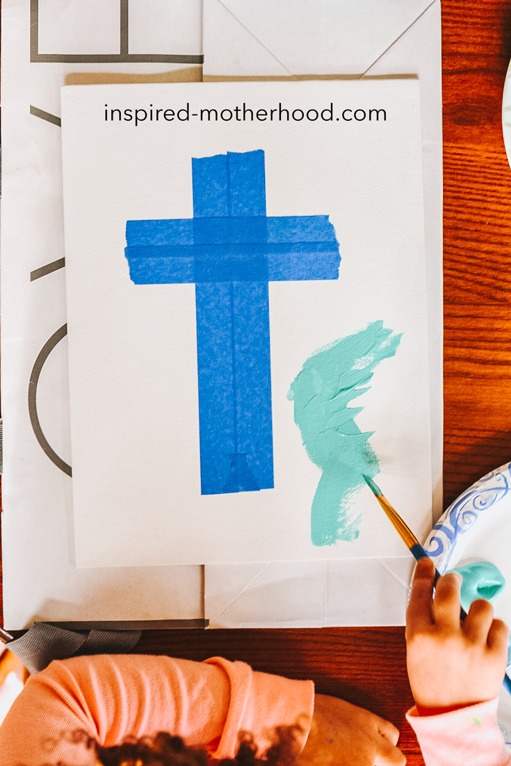 What an easy cross craft idea for kids! They will love making this for easter and hanging the canvas in their bedrooms.