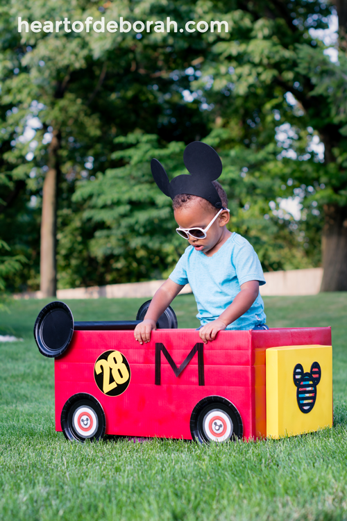Your kids will love to drive around in their own Mickey Mouse Roadster Racer! Follow these directions to make your own cardboard box car racer inspired by Disney and Mickey and Minnie Mouse!