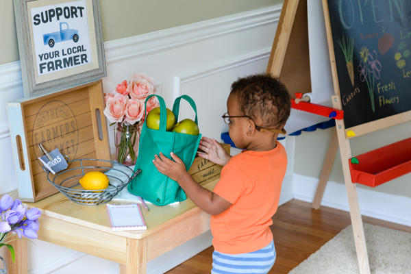 Make Your Own Farmers Market For Kids! Easy Farmers Market Dramatic Play  Center For Young