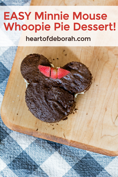 Do you love Disney and Mickey Mouse? Try making these easy and delicious whoopie pies in the shape of your favorite character! Easy Minnie Mouse Dessert