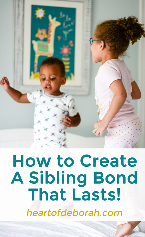 How to create a sibling bond that lasts! Family is everything! Do you want to encourage a strong and loving sibling relationship? Here are 5 secret ways to do this from a fellow mom and school psychologist.