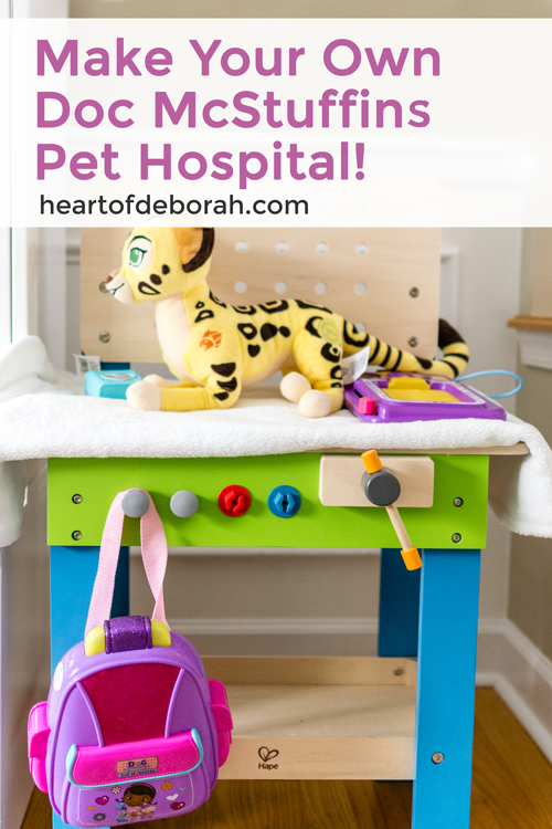 Preschoolers and young children love pretend play! Set up your own DIY pretend play doctor's office with these doctors printables. We used a Disney Junior Doc McStuffins theme and quickly set up our dramatic play center! #pretendplay #dramaticplay