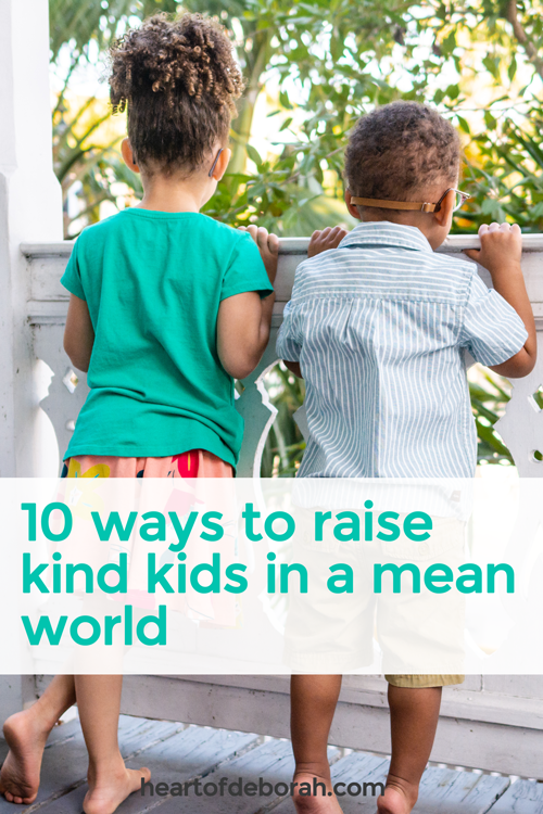 We live in a broken world. To change this as parents we can teach our kids to be loving, kind and compassionate to others. Here are some easy steps to teach your kids kindness!