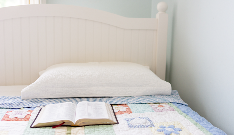 7 Psalms to Pray Over Your Kids at Bedtime