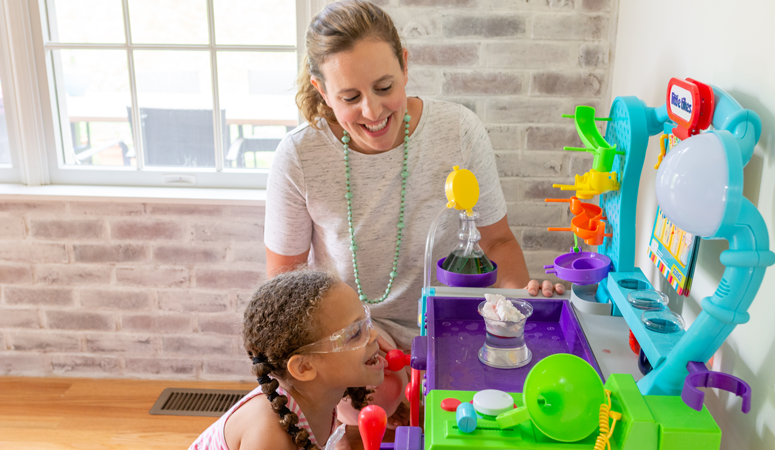 Worried about the summer slide? Keep your kid's brains busy with the new Wonder Lab! It's the perfect STEM toy for preschoolers who love hands-on play.
