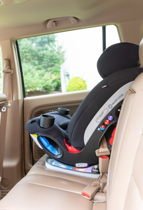 Maxi-Cosi car seat perfect for baby to age 10!