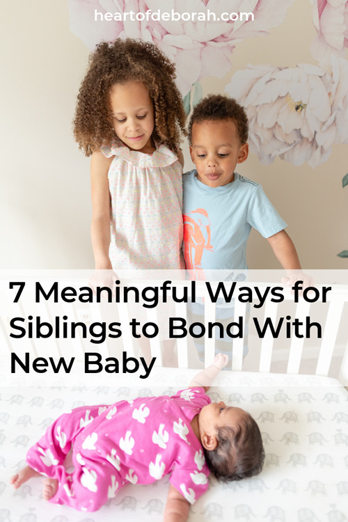 Expecting a new baby in your family? Help the big siblings embrace the new baby with these 7 meaningful ways for your kids to connect and bond with the new baby.