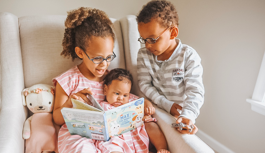 Help your kids become lifelong readers with these simple reading tips for kids.
