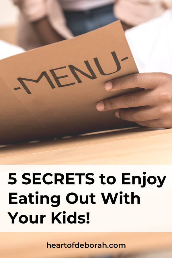 Try new foods and enjoy dining out with kids! Here are 5 secrets to a smooth dinner out at a restaurant together.