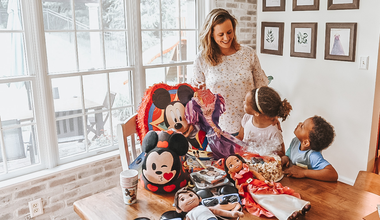 You can throw a perfect Disney themed birthday party without all the extra stress. Here are tips to plan a birthday party for kids.
