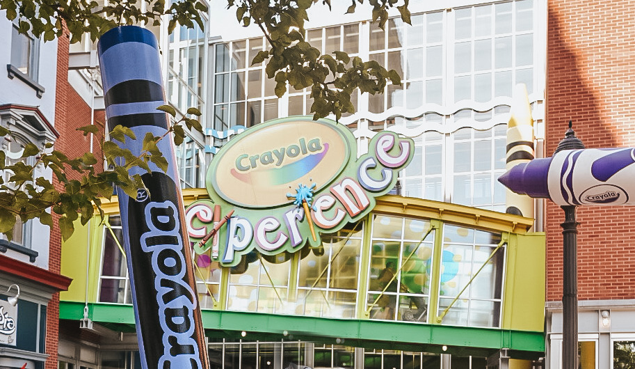 The Crayola experience would make a great non-toy Christmas gift for kids.