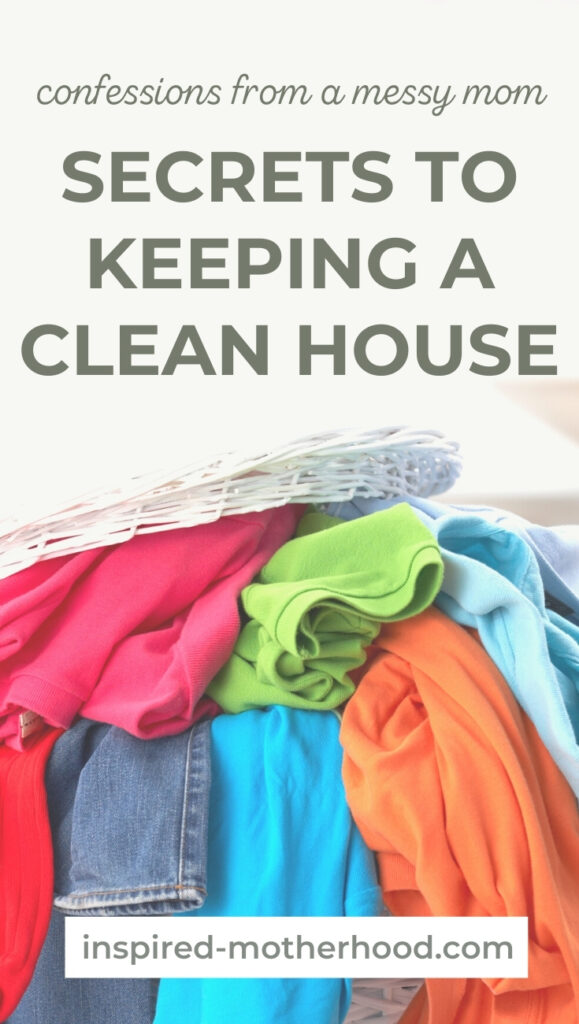Keeping an organized home is difficult! How do we keep a clean house without losing our minds? Here are 3 things I do daily to keep a clutter free house.